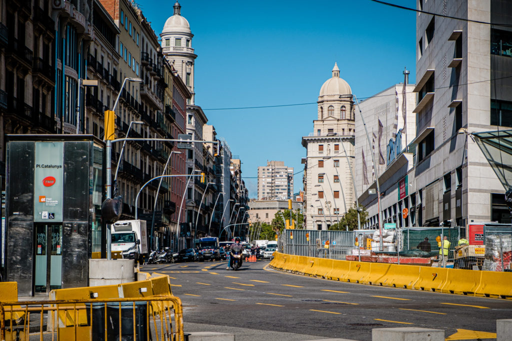 Barcelona - kontrola policyjna - Stan Alarmowy